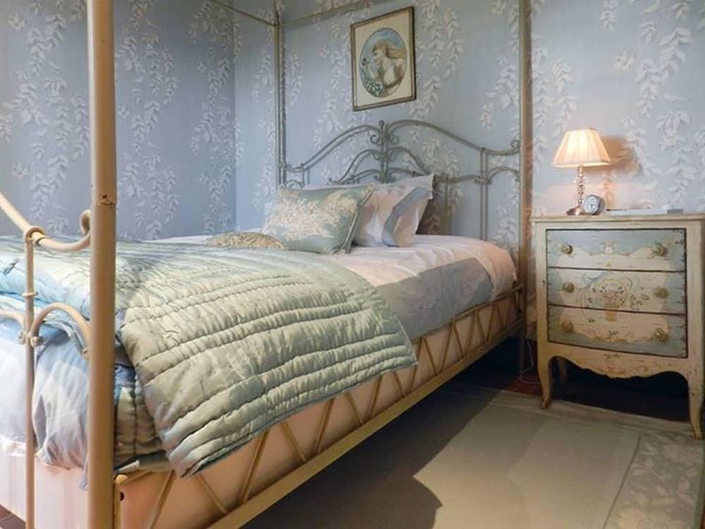 Location - Chambre Bleue du château d'Allogny