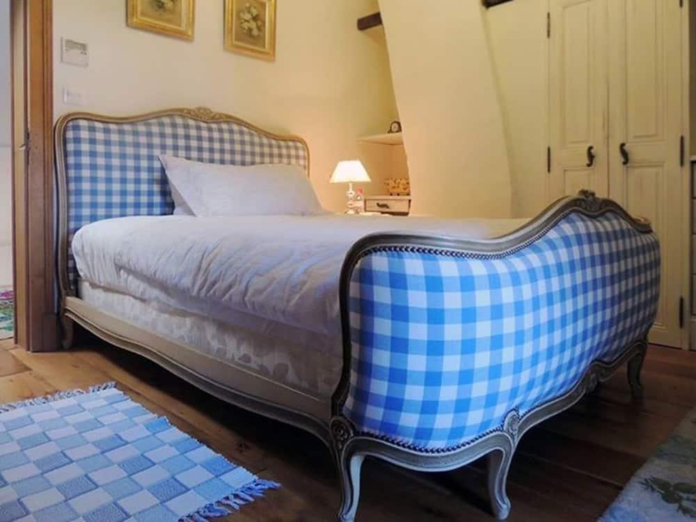 Location - Chambre Carreaux du château d'Allogny